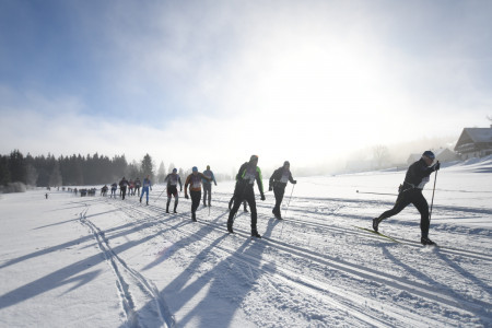 Kašperské 30 se na Šumavě zúčastnilo rekordních 737 běžců. Janeček a Hejná vyhrály dvakrát