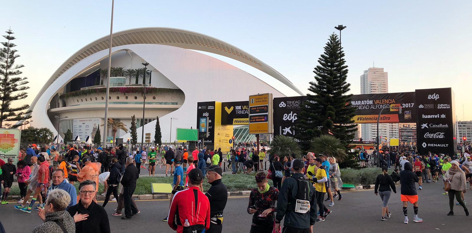 Correr el Maratón de Valencia, España - Marathon Spain maratón de valencia - 40234004783 bfe6acd912 h - Maratón de Valencia: análisis, recorrido, entrenamiento y recomendaciones de viaje
