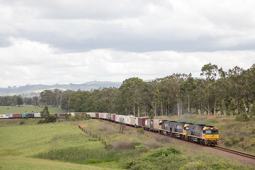 Pacific National NR28/72/12 on 6MB4 passing thru Wirragulla