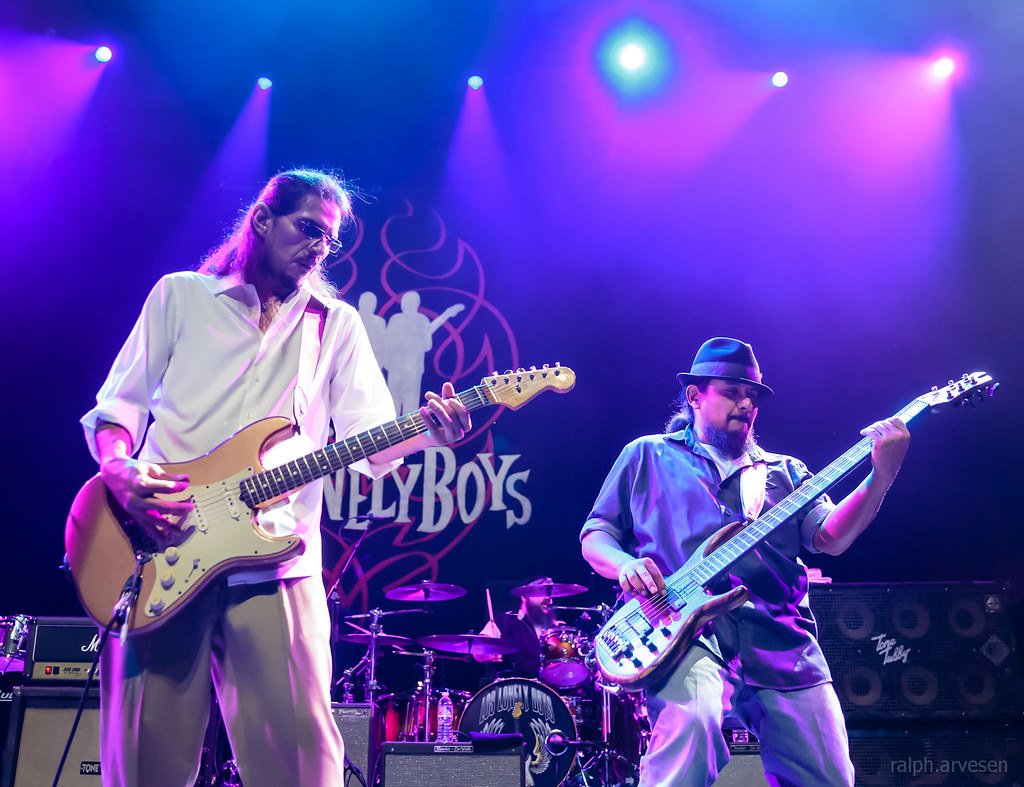 Los Lonely Boys | Texas Review | Ralph Arvesen