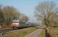 BB 67557 et TGV Sud Est - Photo of Mézériat