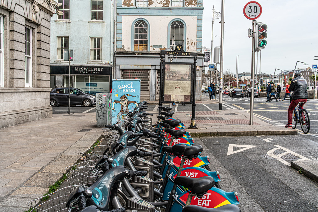 DUBLINBIKES DOCKING STATION 29 ON ORMOND QUAY - AT GRATTAN BRIDGE 003