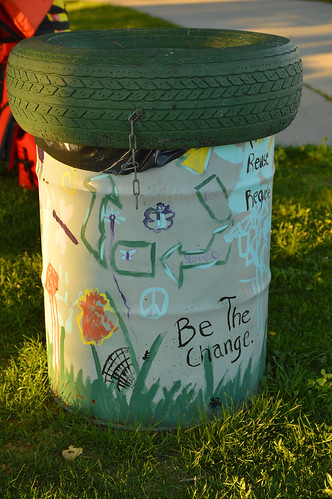 Decorated recycle can