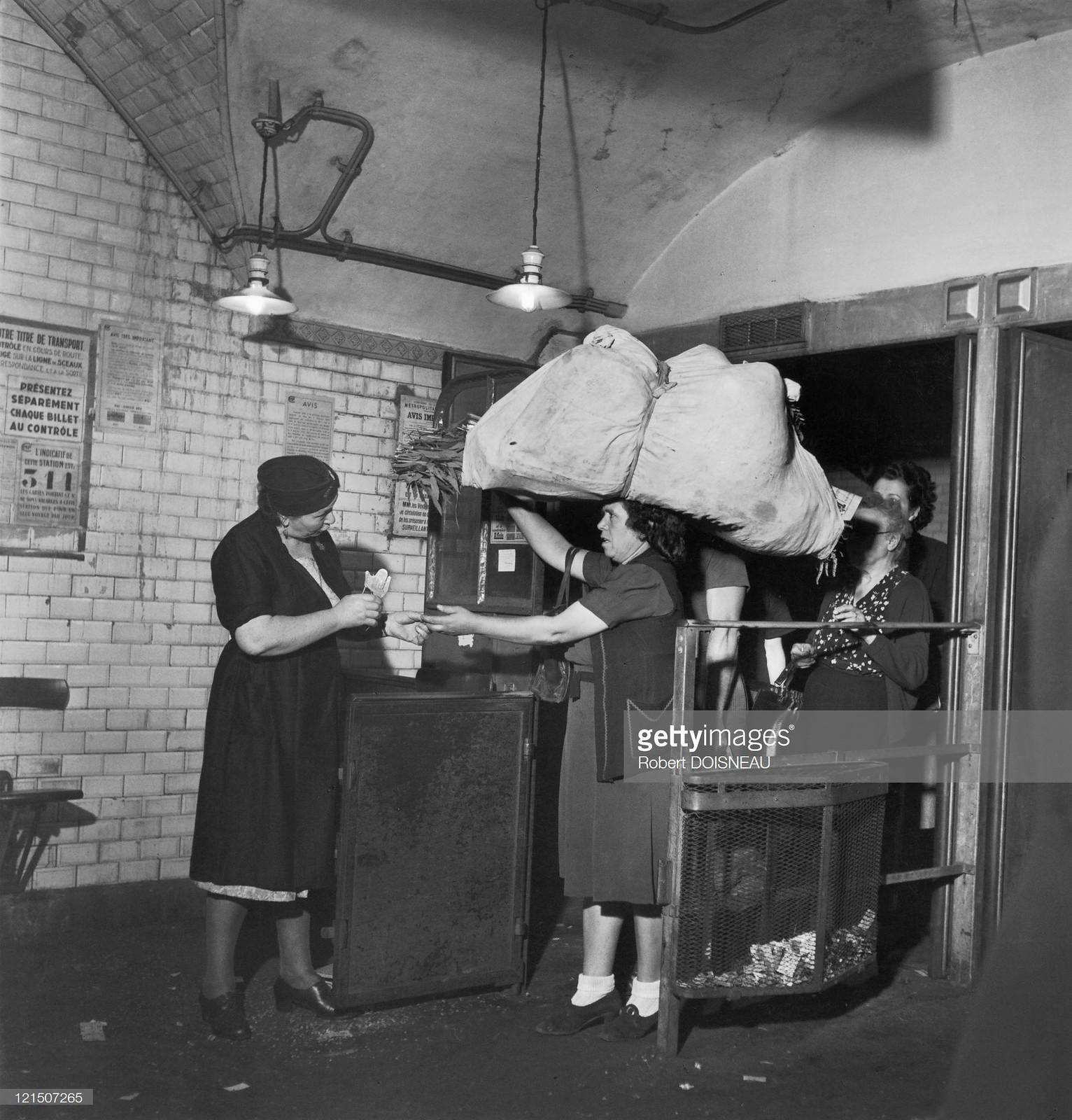 1945. Станция метро Ле-Аль в Париже