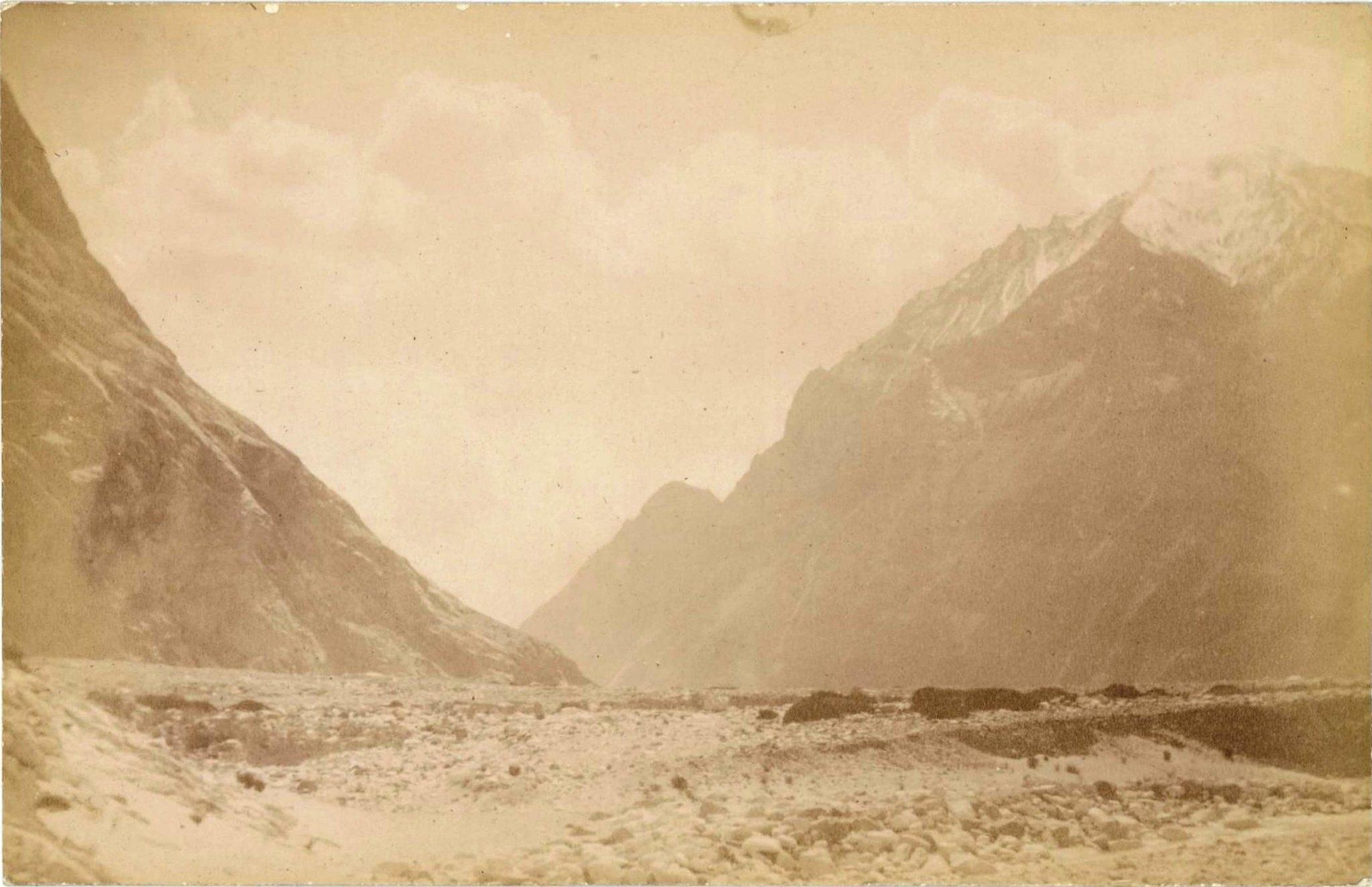 10. Ледники гор Хан-Тенгри. Ледник Западный Моцарт