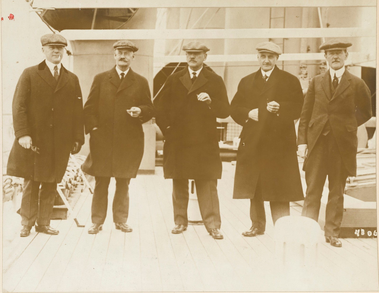 1917. Руководители Американской железнодорожной комиссии, которая отправилась из канадского порта в Россию на «Императрице Азии»