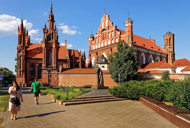 Vilnius / Eglise Sainte-Anne / Église des Bernardins /  St. Francis of Assisi (Bernardine) Roman Catholic Church