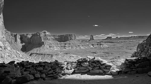 False Kiva - Panorama - Canyonlands National Park, Utah