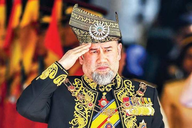 4908 Malaysian King resigns from Kingship for Miss Moscow 01