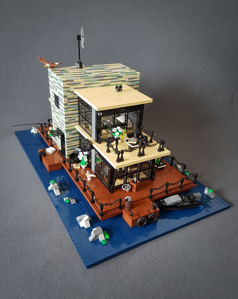 Shallow-Water House MOC. Boat side.