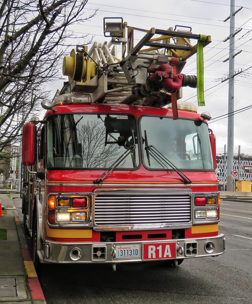 Seattle Fire Department Rescue 1A | Zack Heistand | Flickr