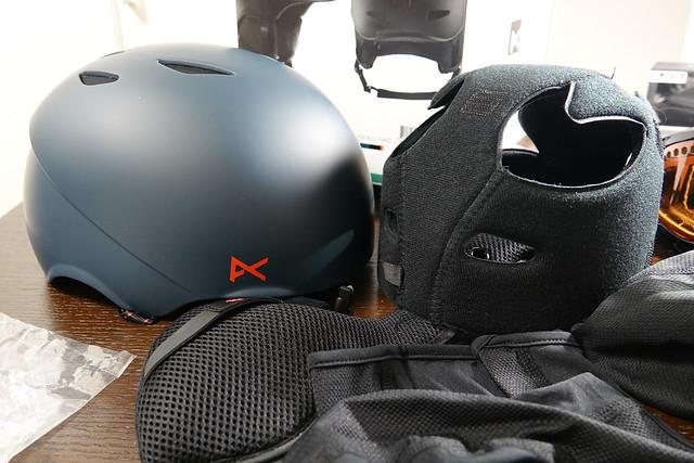 Anon アノン ヘルメット スキー スノーボード メンズ HELO S~XLサイズ 132591 アジアンフィット 業界最軽量 インモールド構造