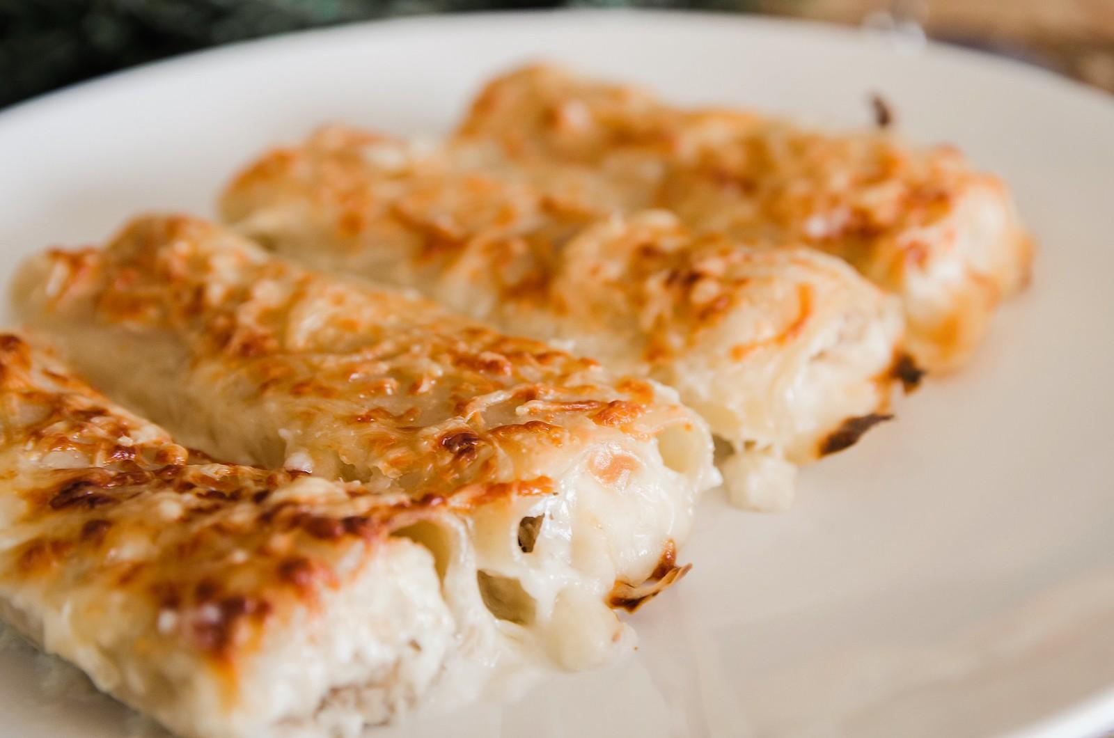 Canelones de pollo con pasas | ©mvesblog