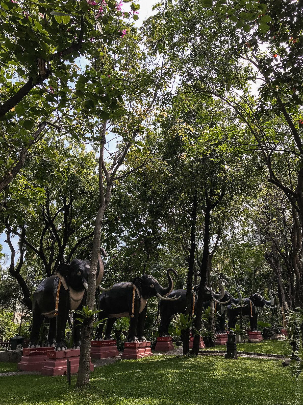 Erawan-Museum-Bangkok-iphone-9720