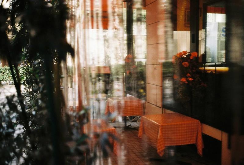 Leica M2+Leitz Summicron 35mm f2 0+Kodac Ultramax 400銀座一丁目路地のイタリアン