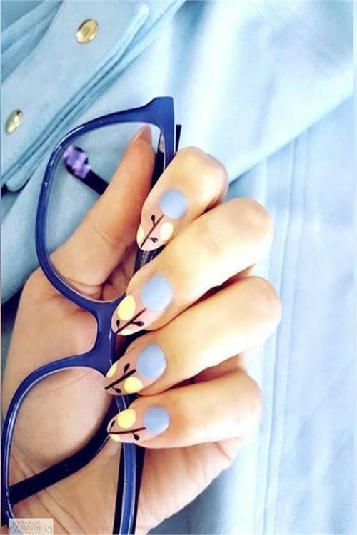 33 Beautiful Spring Nail Art Designs Trends 2019 #nail_art_designs #trendy_nails #spring_nails #flower_nails