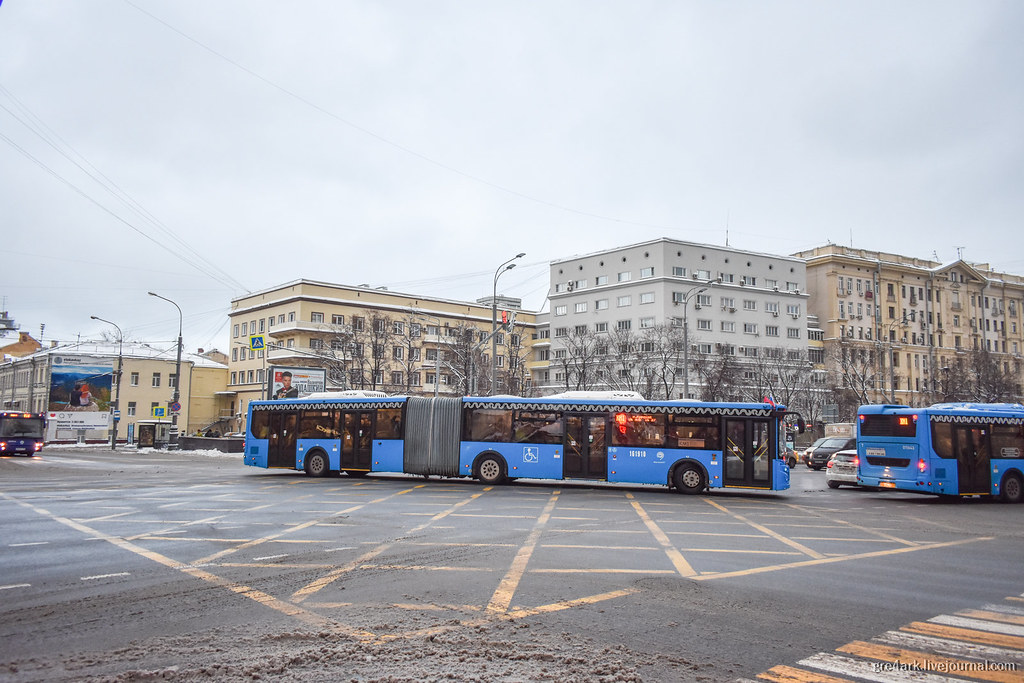 Они заменили метро автобусами!