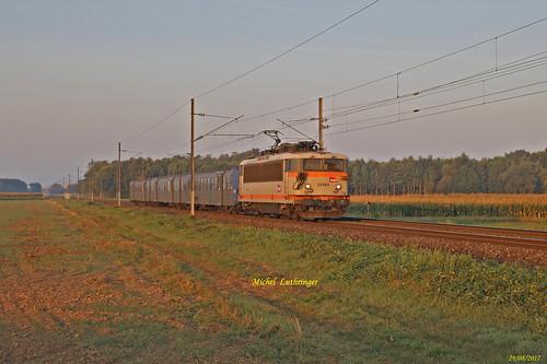 BB 25664 + RRR 222 TER 831308 Sélestat-Strasbourg à Kogenheim