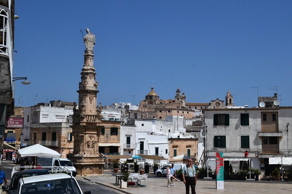 ostuni-obelisco