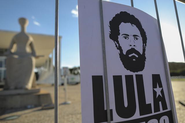 Por que Lula está preso?