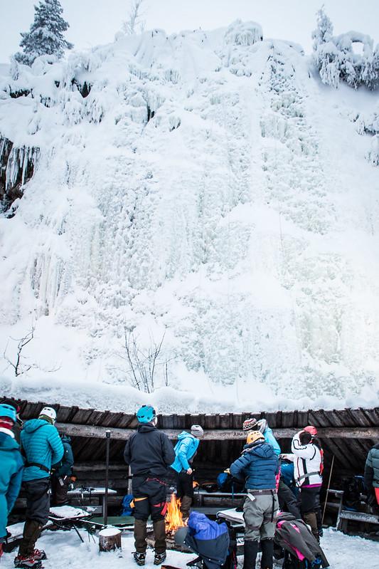 Finland-pyha-luosto-iceclimbing2