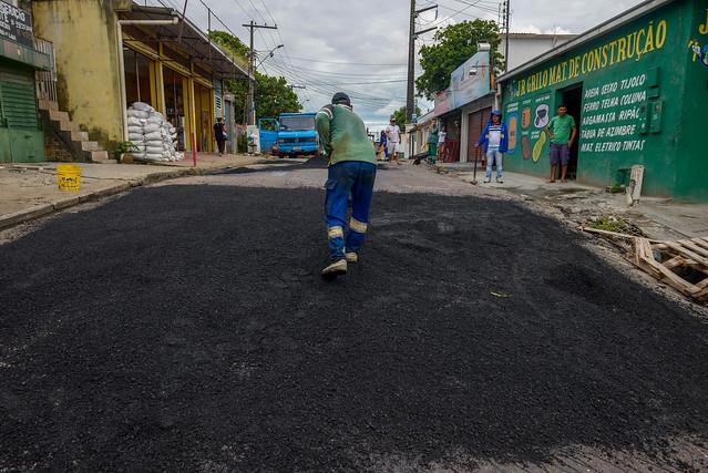 08.02.19 - Prefeito vistoria obras na Vila Marinho no bairro Compensa