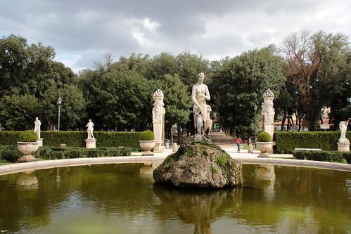 Giardini e fontana di Galleria Borghese - Roma
