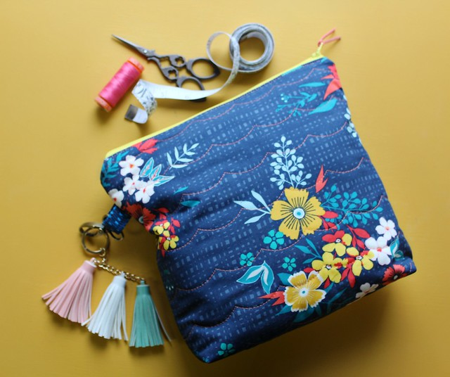Summerdress Dreams Tide Whole Cloth Zipper Pouch Bags