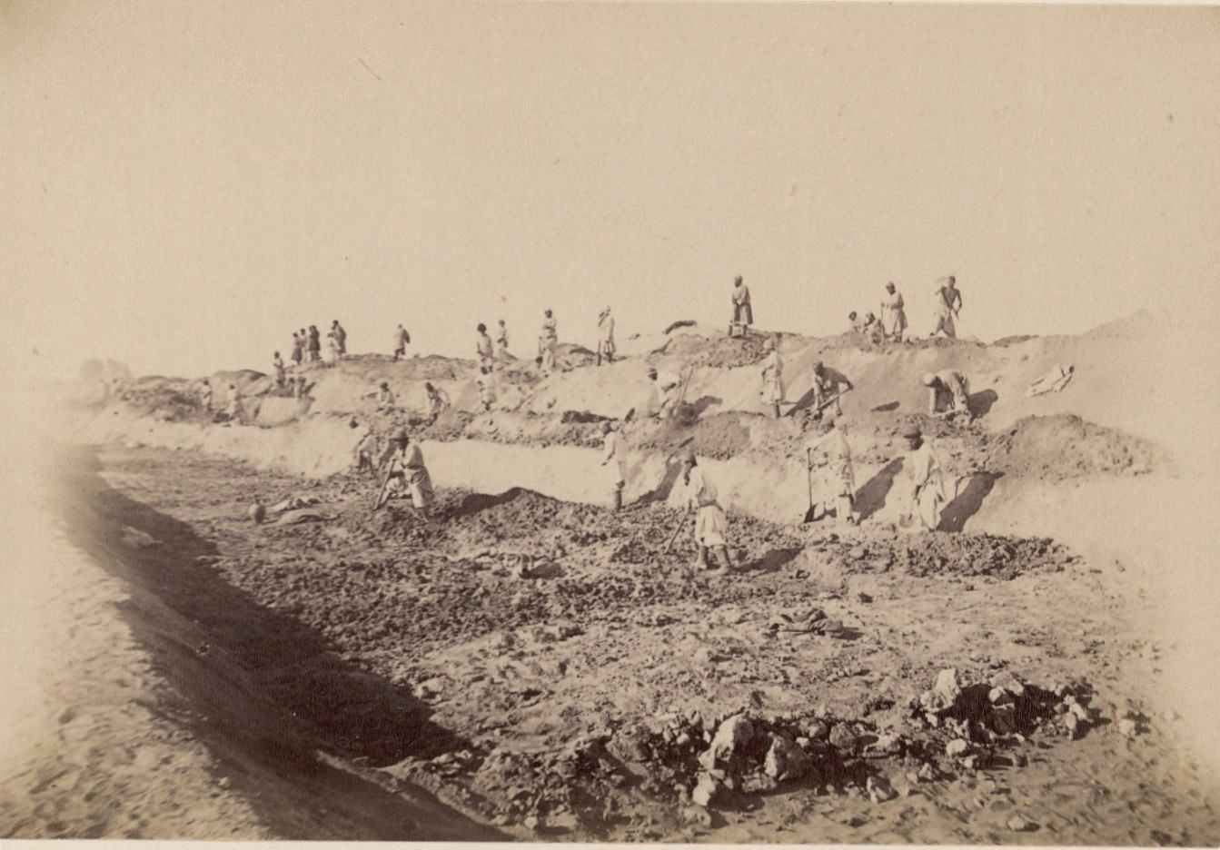 14. Каракуль. Бухарские рабочие на строительстве железной дороги