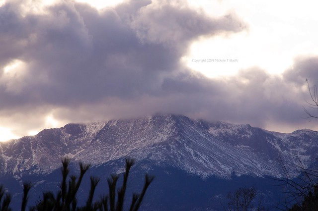 Sunset over Pikes Peak, Sony NEX-3, Sony E 18-200mm F3.5-6.3 OSS