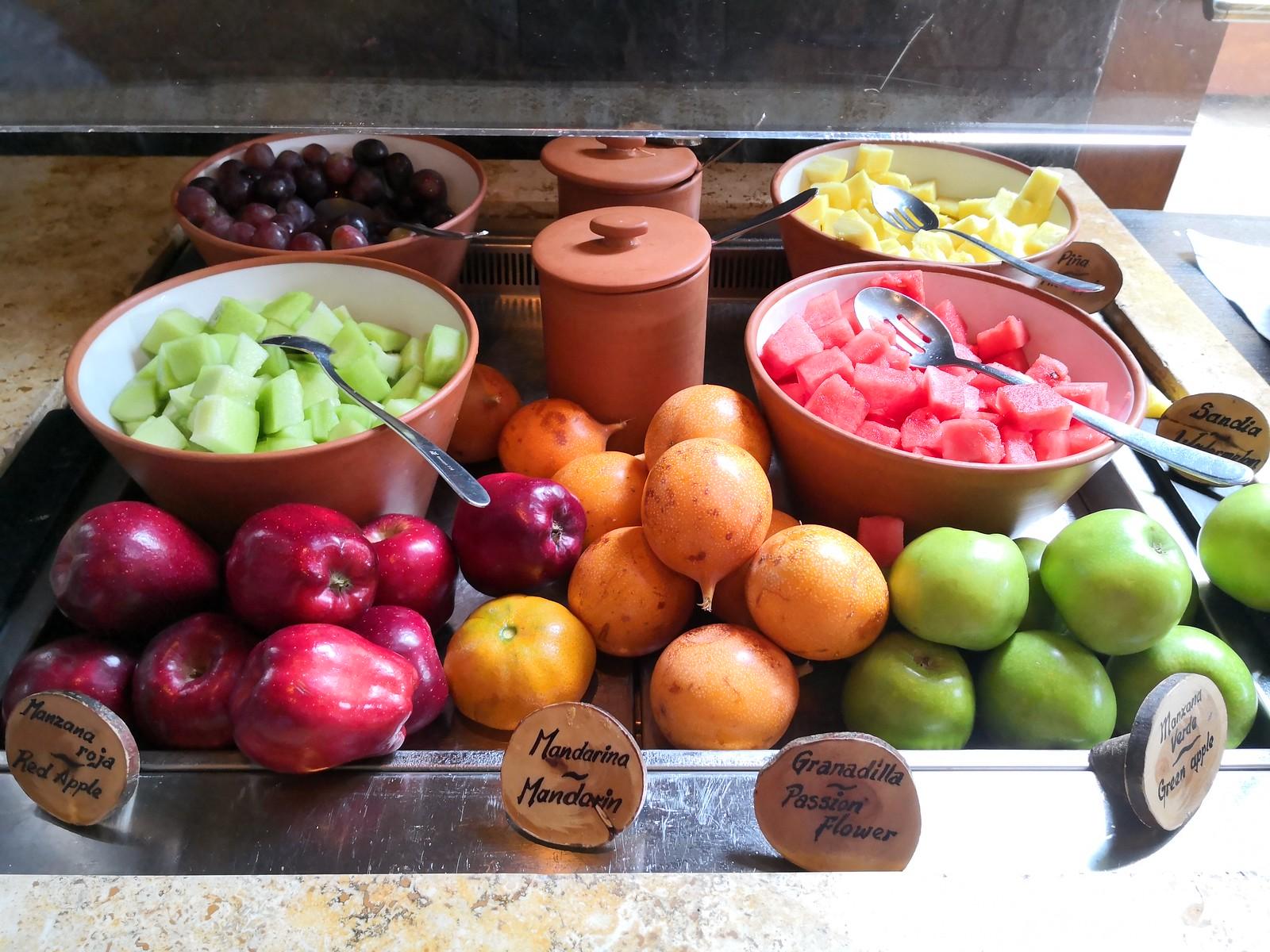 Fresh and cut fruits
