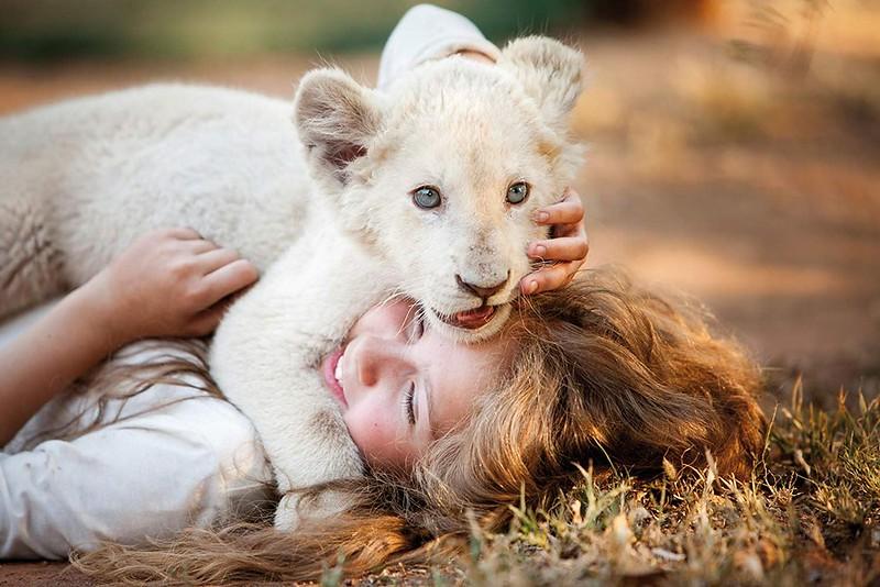 mia-and-the-white-lion-2019