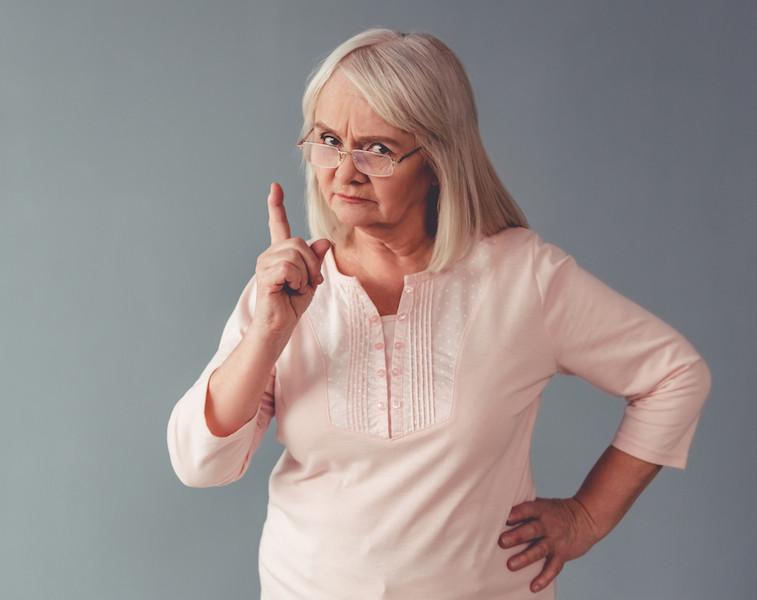 羅乃萱建議母親要「巴閉」──嘴巴常閉。當你感到生氣,想批評子女的時候,不說就最好。(Shutterstock)