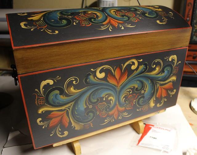 Wedding Box in Norsk Rosemal'ing