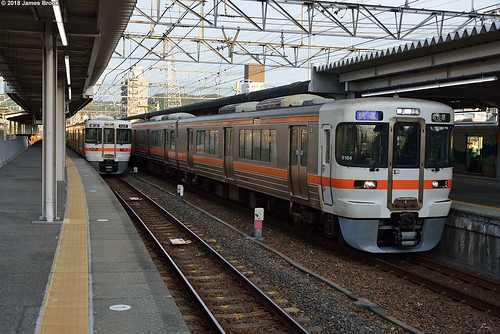 313 series EMUs at Kozoji