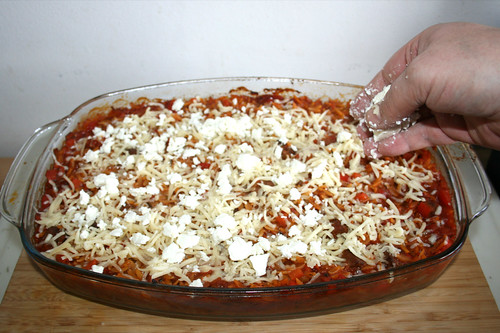 52 - Mit Mozzarella & Feta bestreuen / Dredge with mozzarella & feta