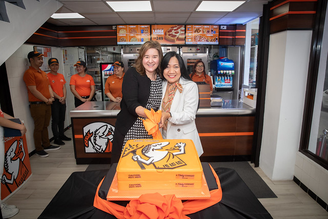 Paula Vissing (Senior Vice President of International for Little Caesars Pizza) with Roselle Calixihan (President of Palm Tree Investment Group) 3