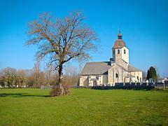 Eglise de St Hymetiere XIe siècle.