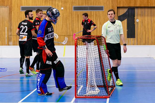Unihockey Luzern vs. Bassersdorf, Sony ILCA-99M2, Sony 70-200mm F2.8 G SSM II (SAL70200G2)