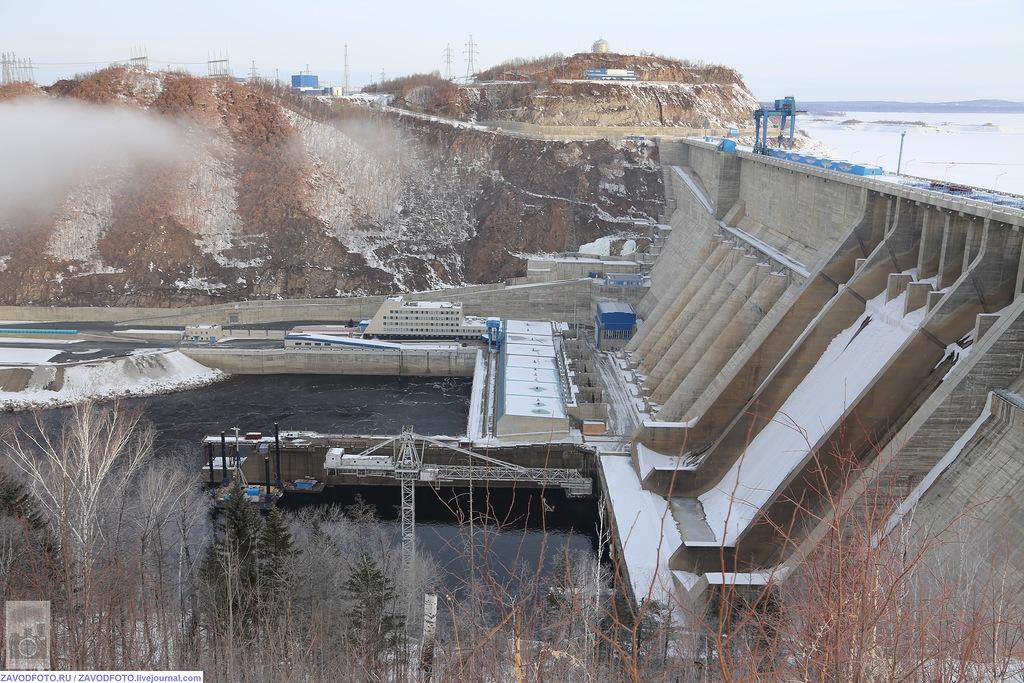 Бурейская ГЭС наконец-то освобождена из «плена» оползня, несколько, водохранилище, электроэнергии, метров, водохранилища, угрозу, около, части, Бурейской, Бурейское, кВт•ч, инженерных, «РусГидро», Бурее, произошло, расчистке, результате, Бурейская, помешали
