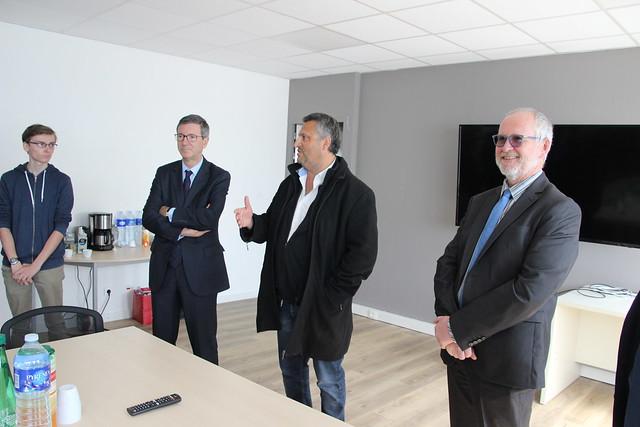 Semaine de l'industrie: le recteur Olivier Dugrip accompagne la visite d'une classe du lycée Sud Gironde à l'entreprise SOTOMECA