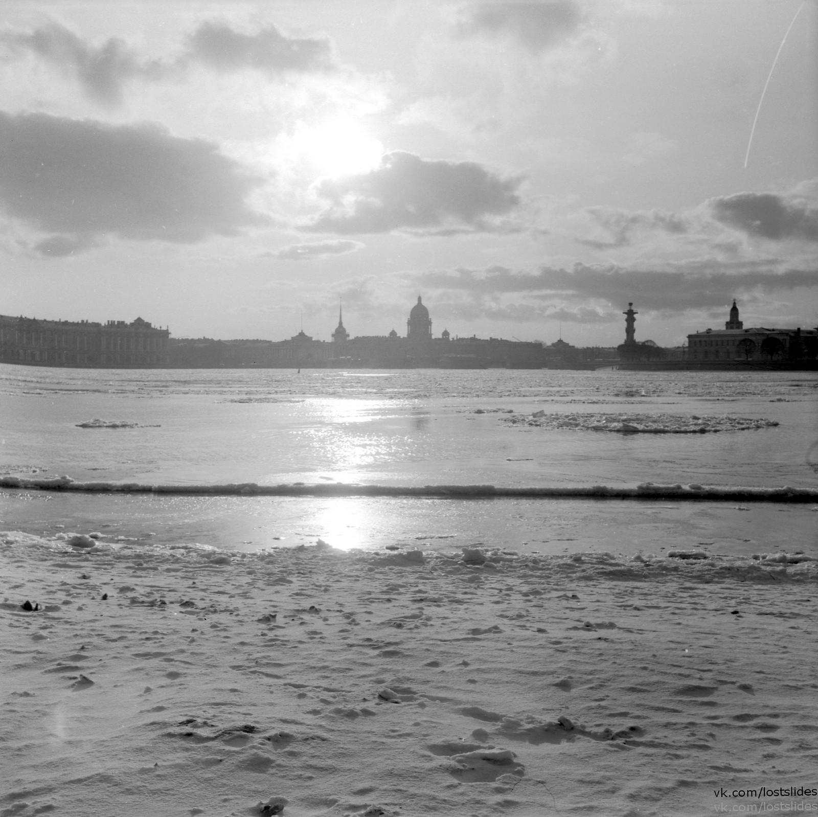 1982. Вид в сторону Дворцового моста