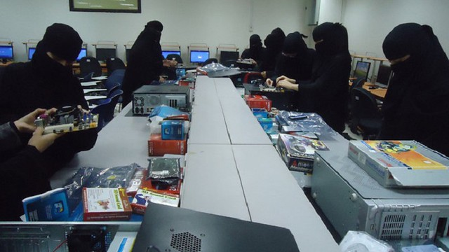 5056 SR 800 as Transport allowance to private sector female employees