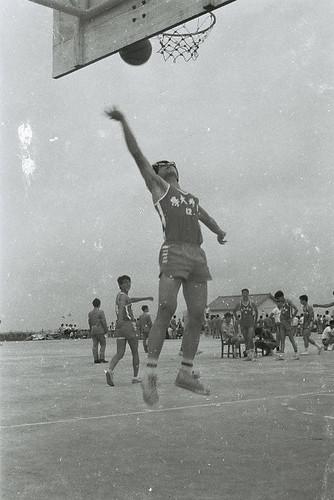 中正圖書館館旁球場2-1972